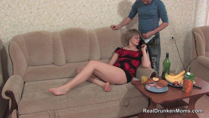 порно пьяные мамы анал фото