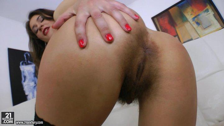 Порно онлайн волосатое очко