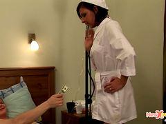 Ебут русскую медсестру