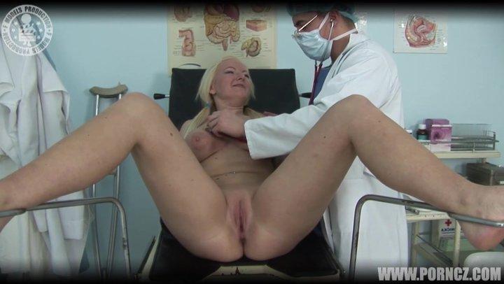 Грудастый гинеколог