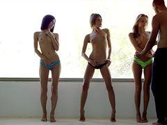 Три тинки устроили групповой секс